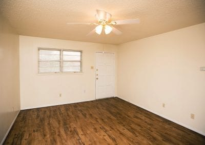 Western-Oaks-apartments-pet-friendly-inside