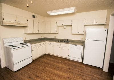 western-oaks-Apartment-kitchen-pet-friendly