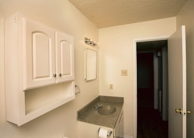 western-oaks-quiet-bathroom